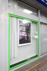 160906 KiQ Rath Tat Kunstfenster Westfalenstr Linneweber Quartier nebenan de (1)